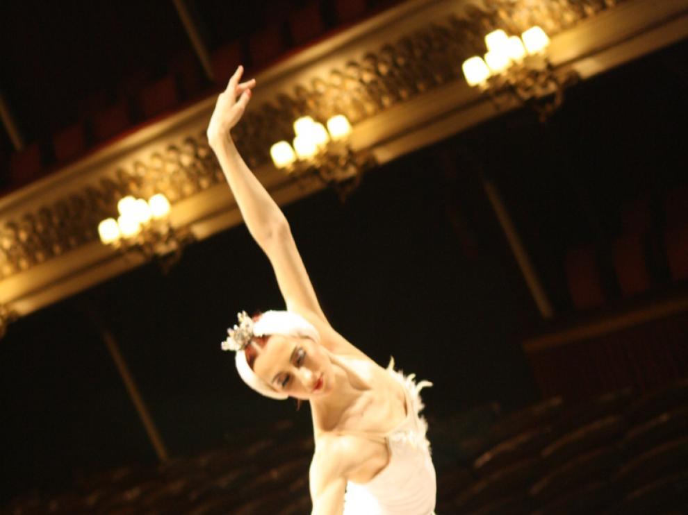 'El Lago de los Cisnes' llega este sábado al Teatro Principal