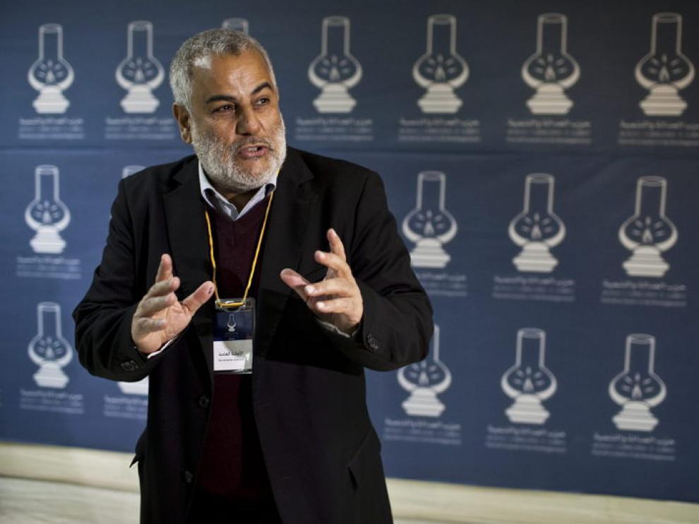 El líder del partido PJD, Abdelilah Benkiran, anuncia sus resultados electorales
