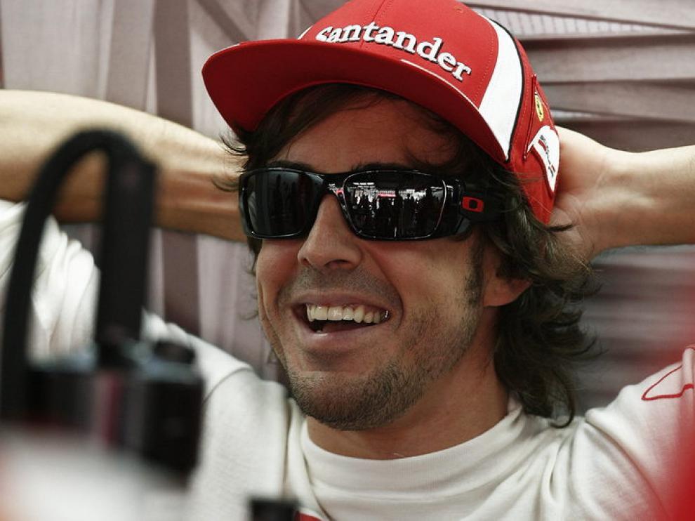 Fernando Alonso descansa en Interlagos