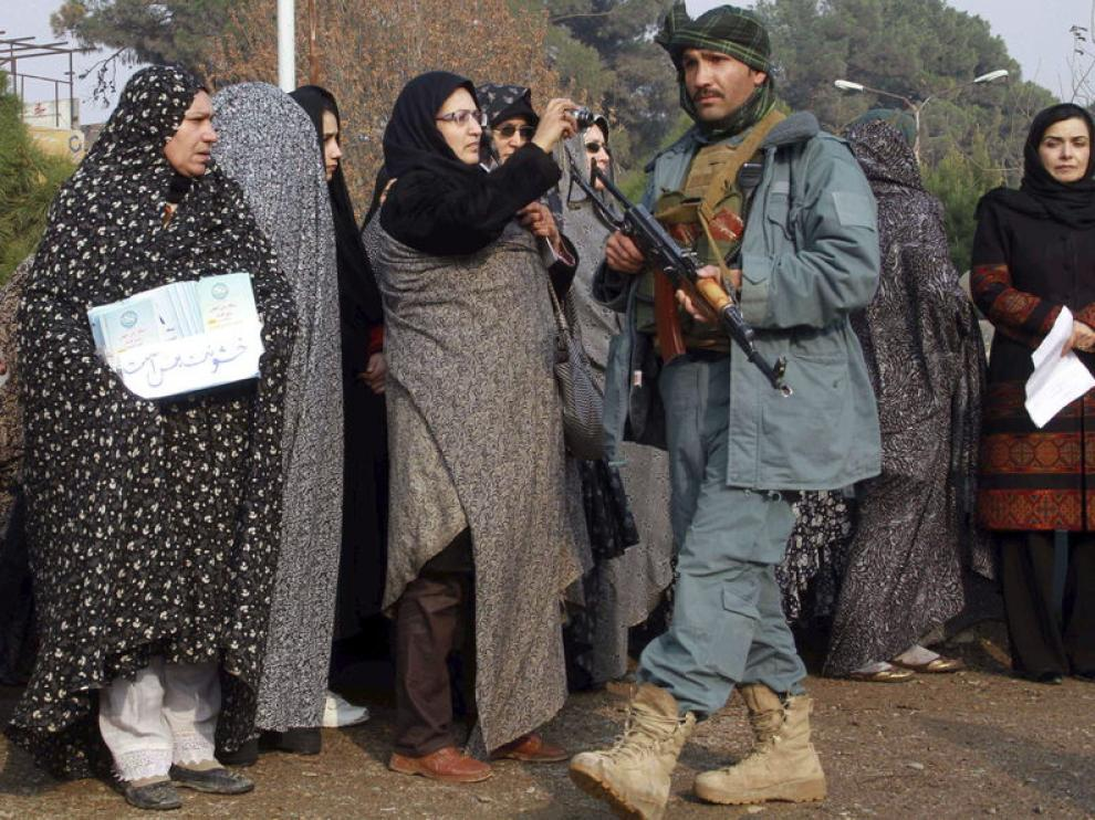 Mujeres afganas se manifiestan contra la violencia de género