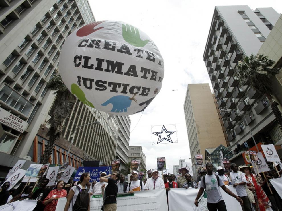 Miles de personas piden en Durban acciones decididas contra cambio climático