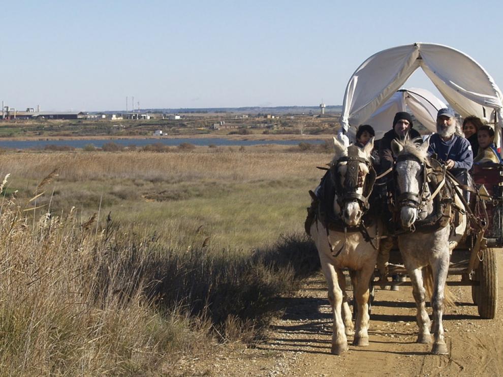La asociación Añoranza organizó rutas para pasear en carro.