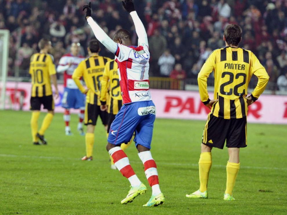 Ighalo celebra el gol anotado a los aragoneses