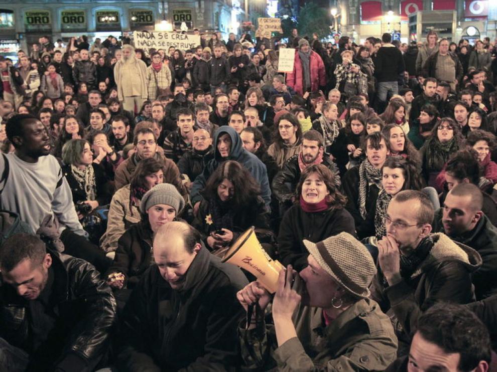 Concentración de indignados por el desaojo del hotel Madrid