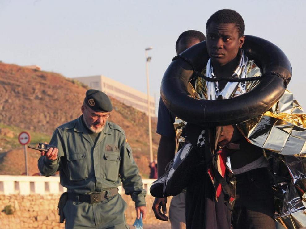 Inmigrantes llegan a Ceuta a nado
