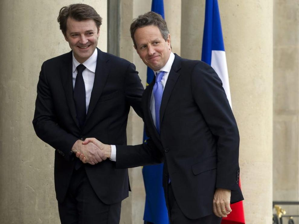 El ministro francés de Finanzas, François Baroin, se despide del secretario del Tesoro estadounidense, Timothy Geithner