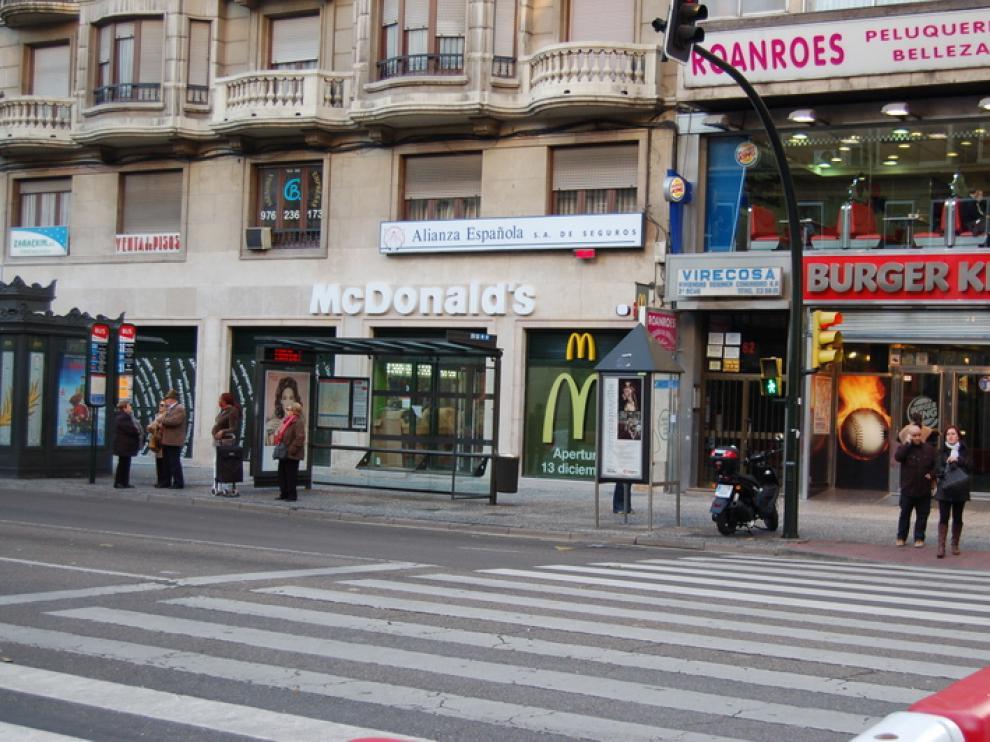 Nuevo Mcdonalds en El Coso, al lado del Burger King