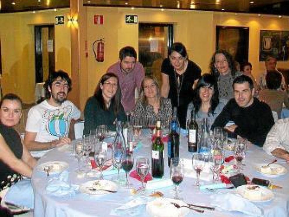 Algunos de los asistentes a la cena benéfica de YaPerú.