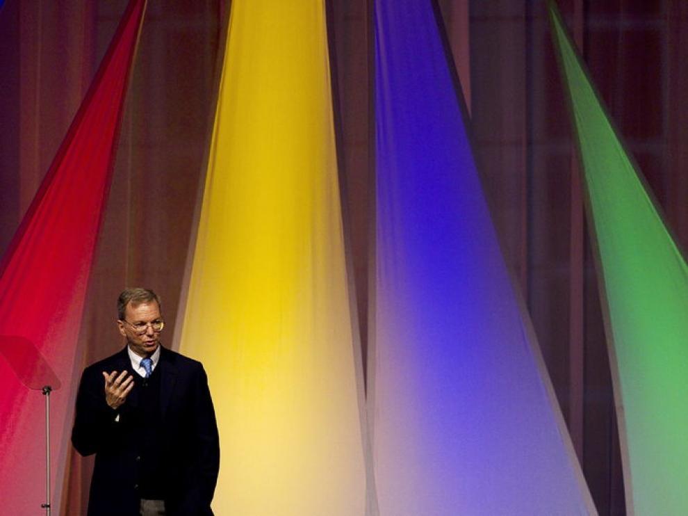 El presidente ejecutivo de Google, Eric Schmidt, habló de libertad en internet en París
