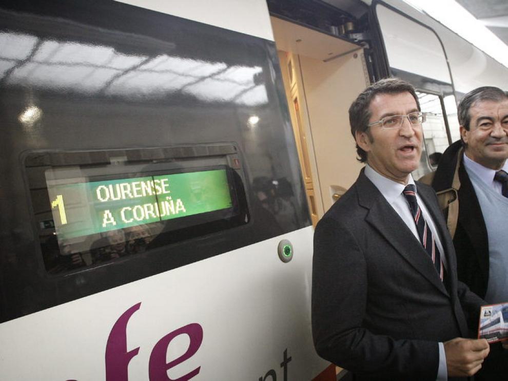 El presidente de la Xunta, Alberto Núñez Feijóo, y el presidente de Asturias y ex ministro de Fomento Francisco Álvarez Cascos,