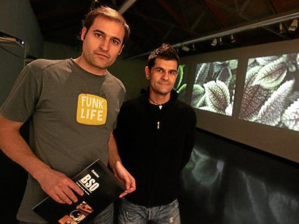 Los artistas Eduard Miguel, de Olot, y el oscense Nacho Moya, responsables de 'Ciudades BSO'.