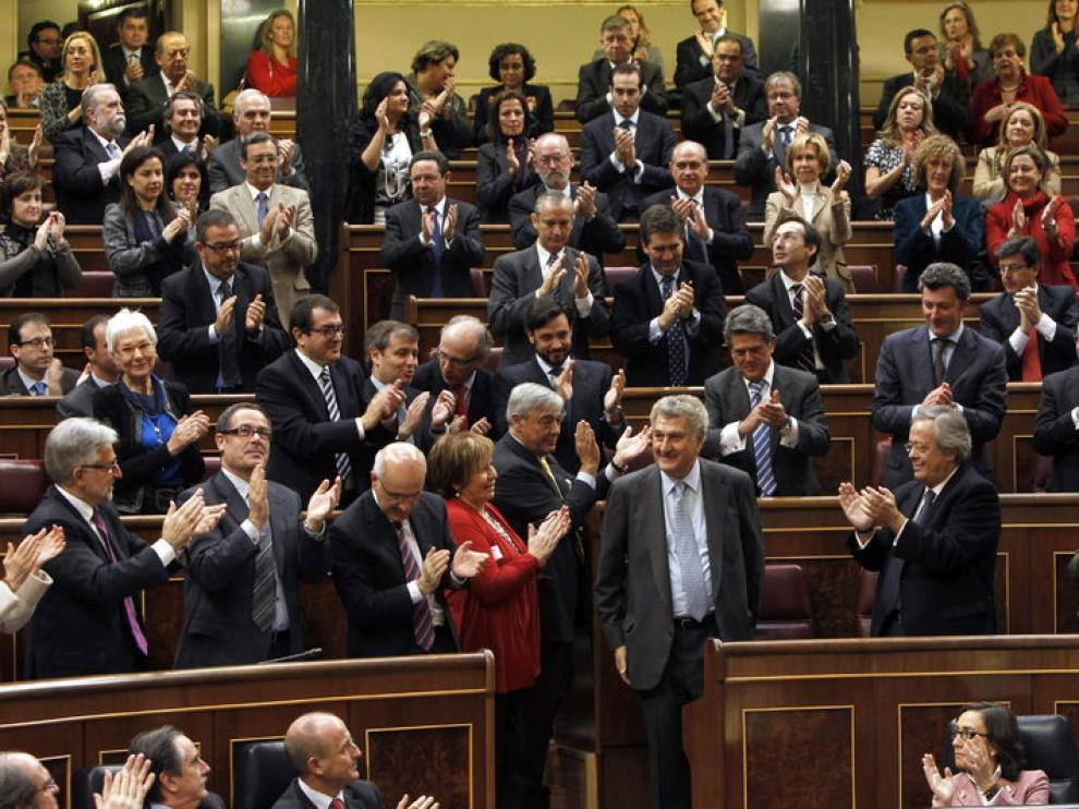 Jesús Posada es aplaudido por los diputados tras ser elegido presidente del Congreso