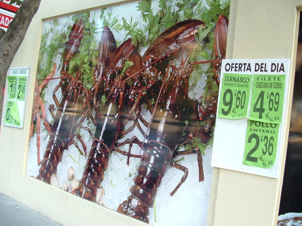 Ofertas en un supermercado de la capital oscense