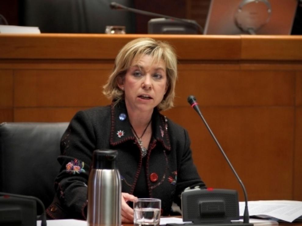 Dolores Serrat en las Cortes de Aragón
