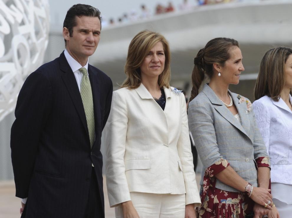 Los Duques de Palma junto a la Infanta Elena y la Princesa de Asturias en la inauguración de la Expo de Zaragoza