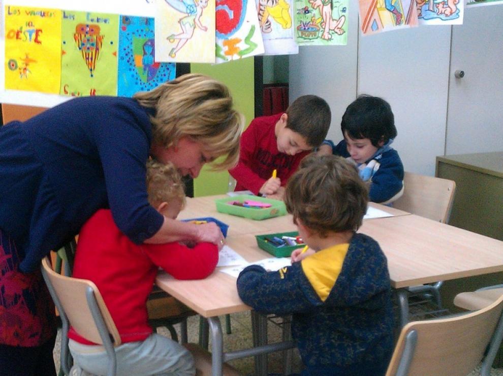 Dolores Serrat en su visita al colegio Tío Jorge