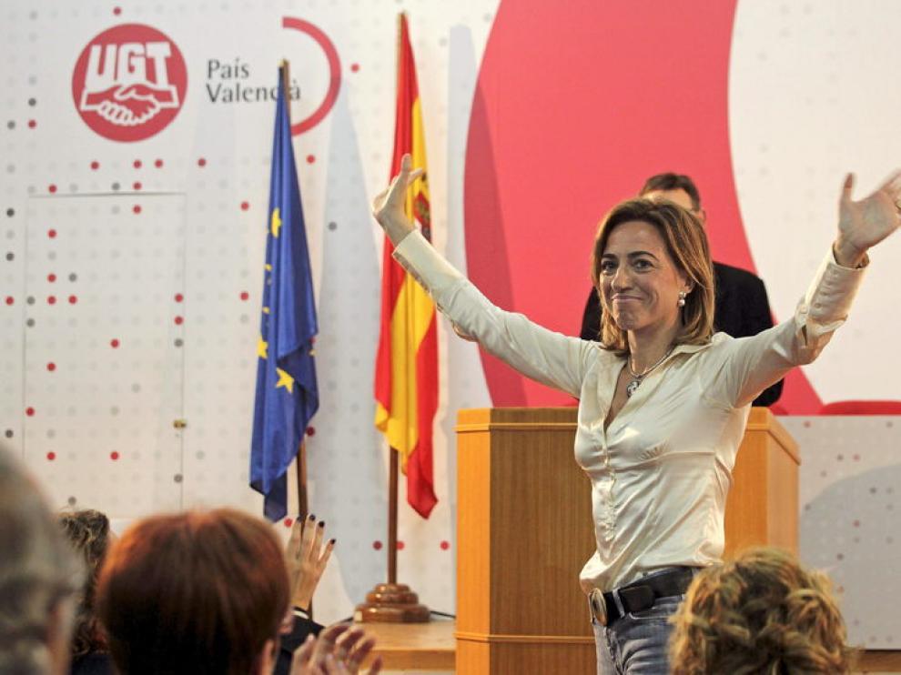 La ex ministra de Defensa, Carme Chacón, durante el acto con militantes celebrado esta tarde en Valencia