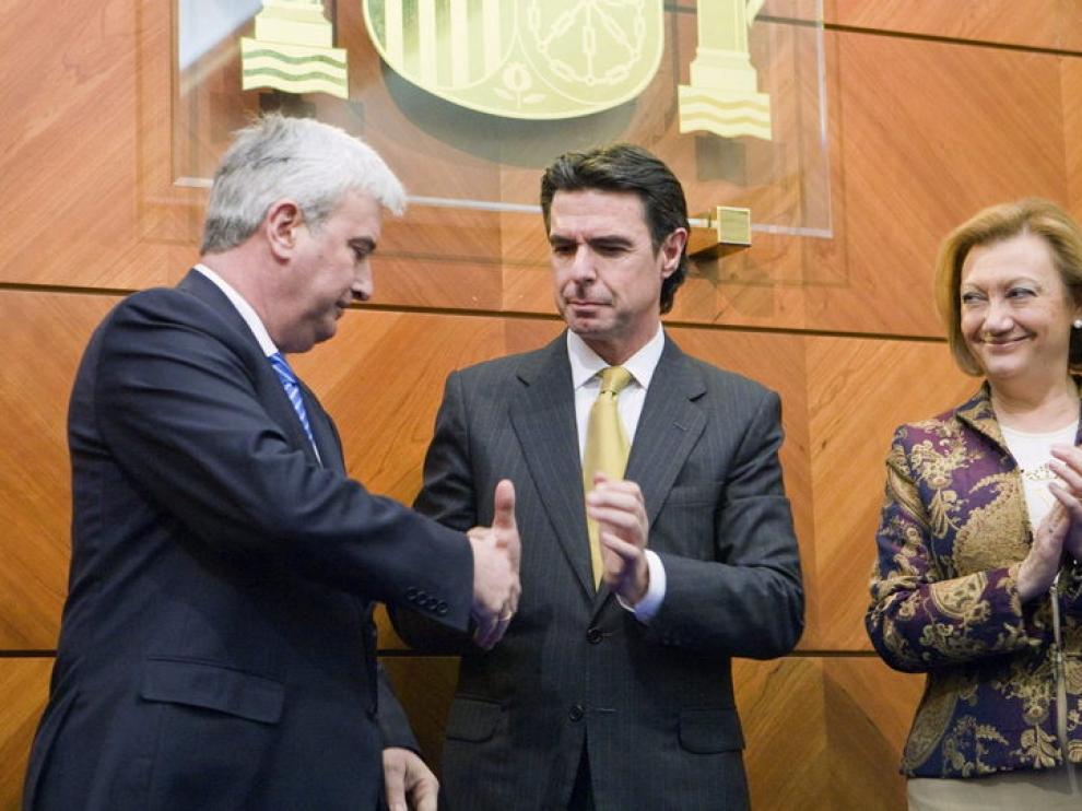 Gustavo Alcalde, José Manuel Soria y Luisa Fernanda Rudi