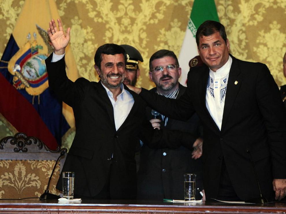 Mahmud Ahmadineyad y Rafael Correa