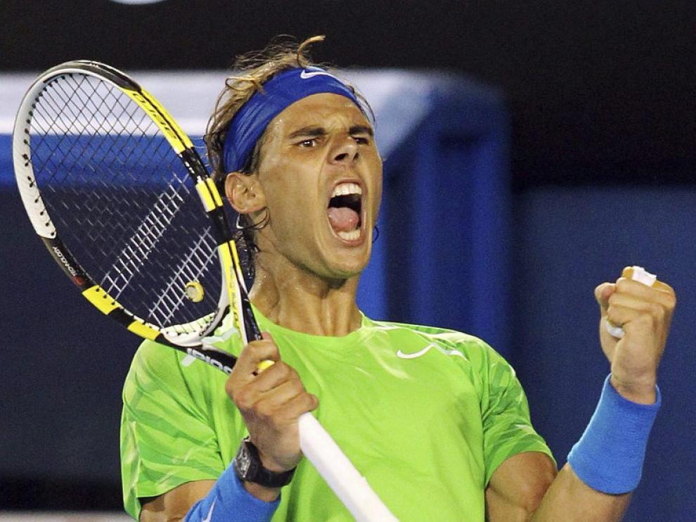 El tenista español Rafael Nadal reacciona ante el checo Thomas Berdych