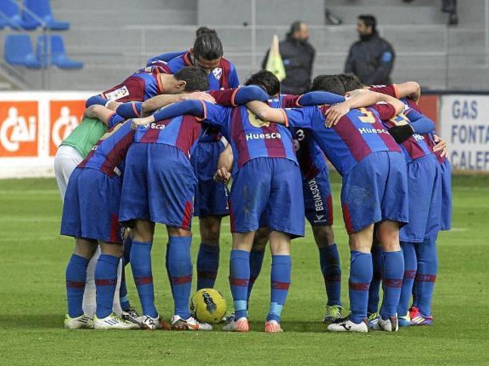En Barcelona podría jugar el mismo equipo que ante el Dépor, con la novedad de Omar por Gilvan.