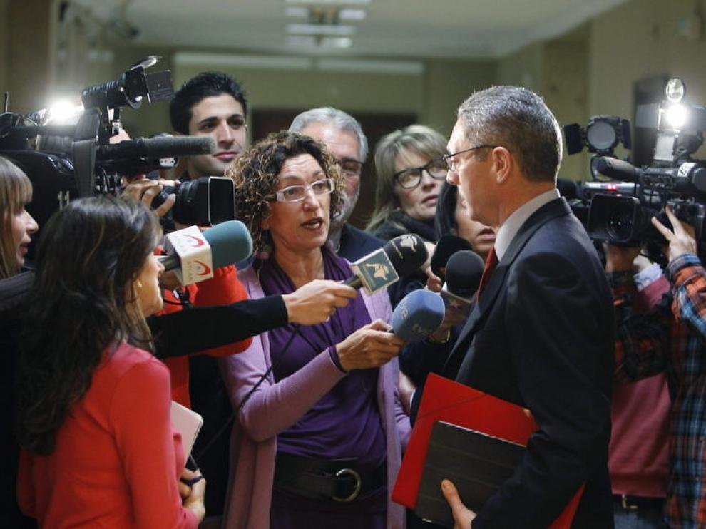 El ministro de Justicia, Alberto Ruiz-Gallardónm, atiende a los medios
