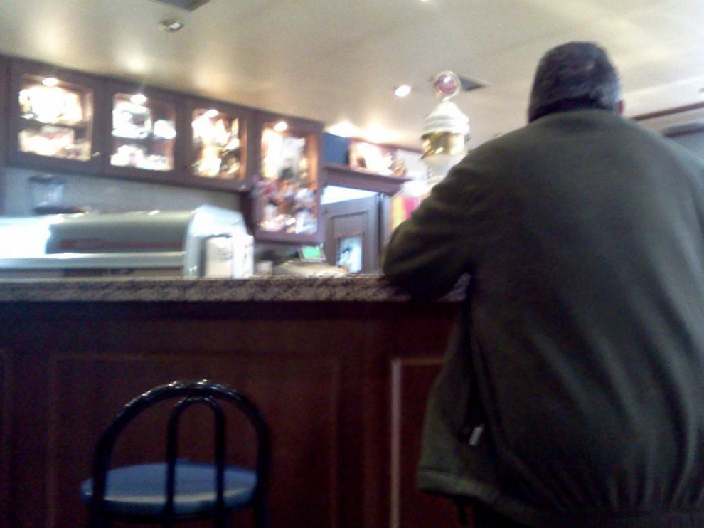 Interior de un bar insumiso de Zaragoza