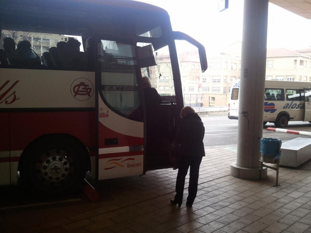 Autobús de la línea Huesca-Sariñena