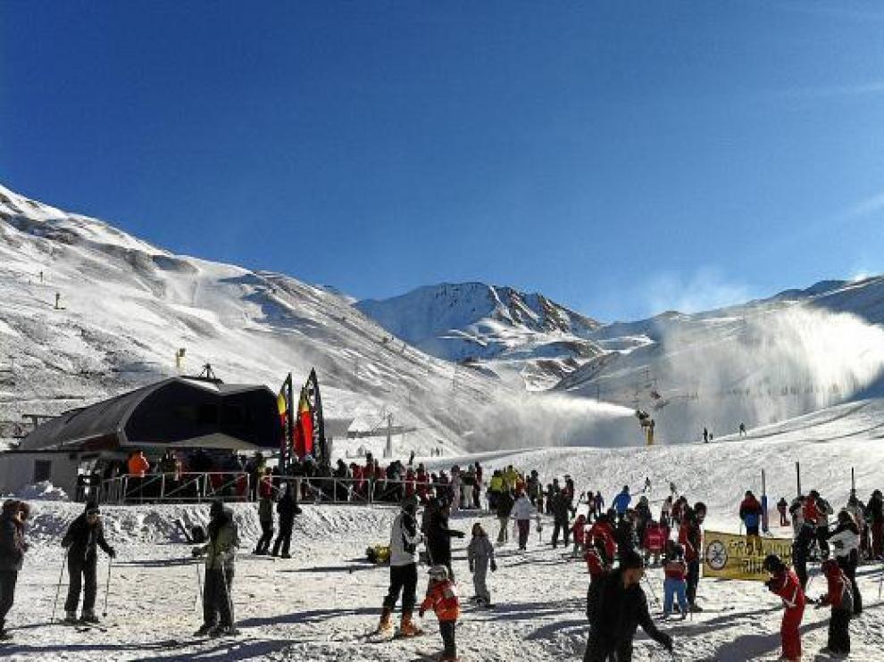 Aragón reedita la campaña de oferta de esquí y alojamiento entre semana en sus 7 estaciones