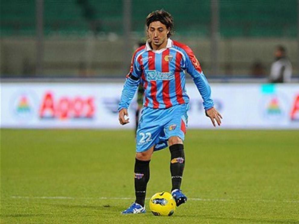 Pablo álvarez en un partido con el Catania