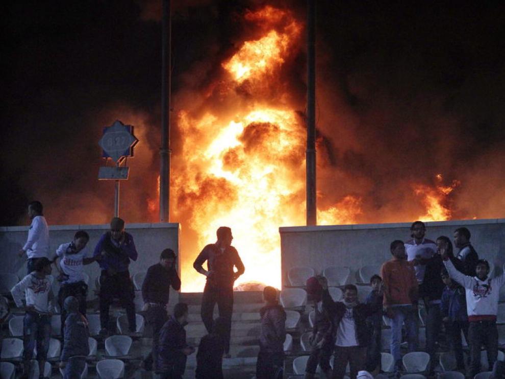 Disturbios en el estadio de El Cairo