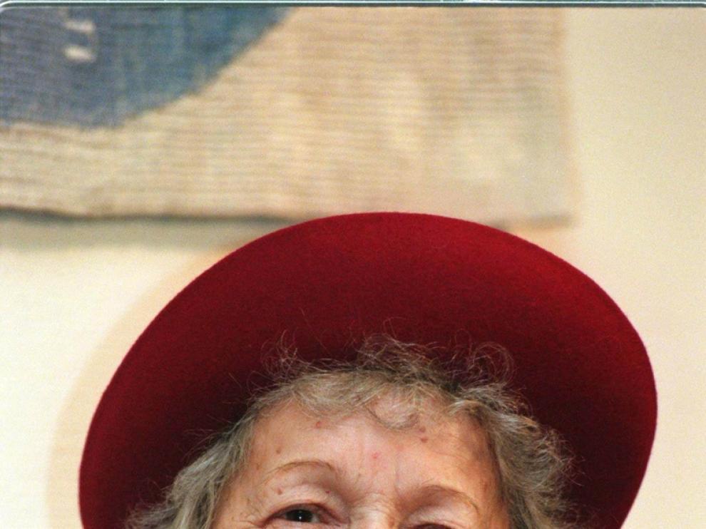 Wislawa Szymborska, Premio Nobel de Literatura, ha fallecido a los 88 años.