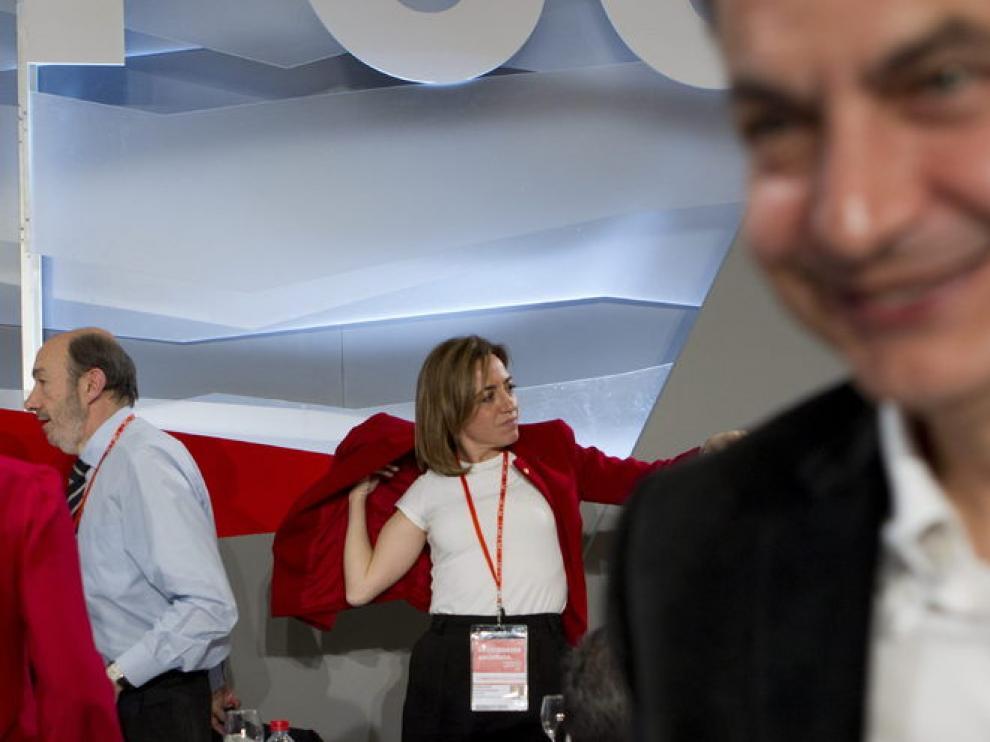 Zapatero, en primer plano, con Rubalcaba y Chacón de fondo