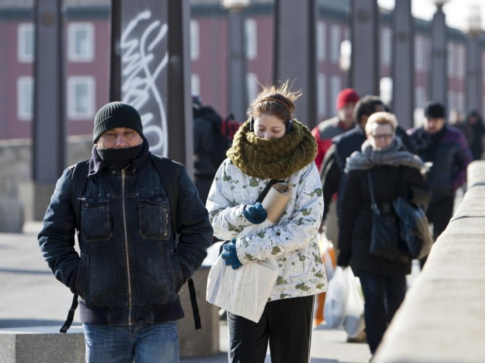 En Zaragoza se ha dejado sentir el frío y el viento pero no la nieve