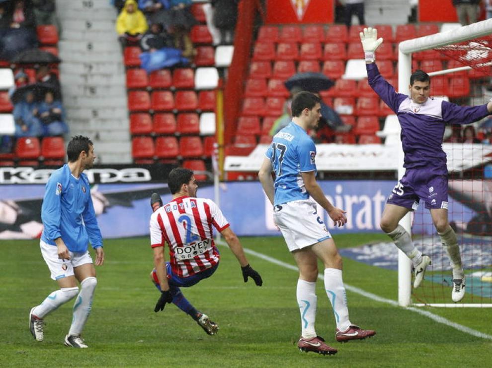 Imagen del partido disputado en el estadio de El Molinón