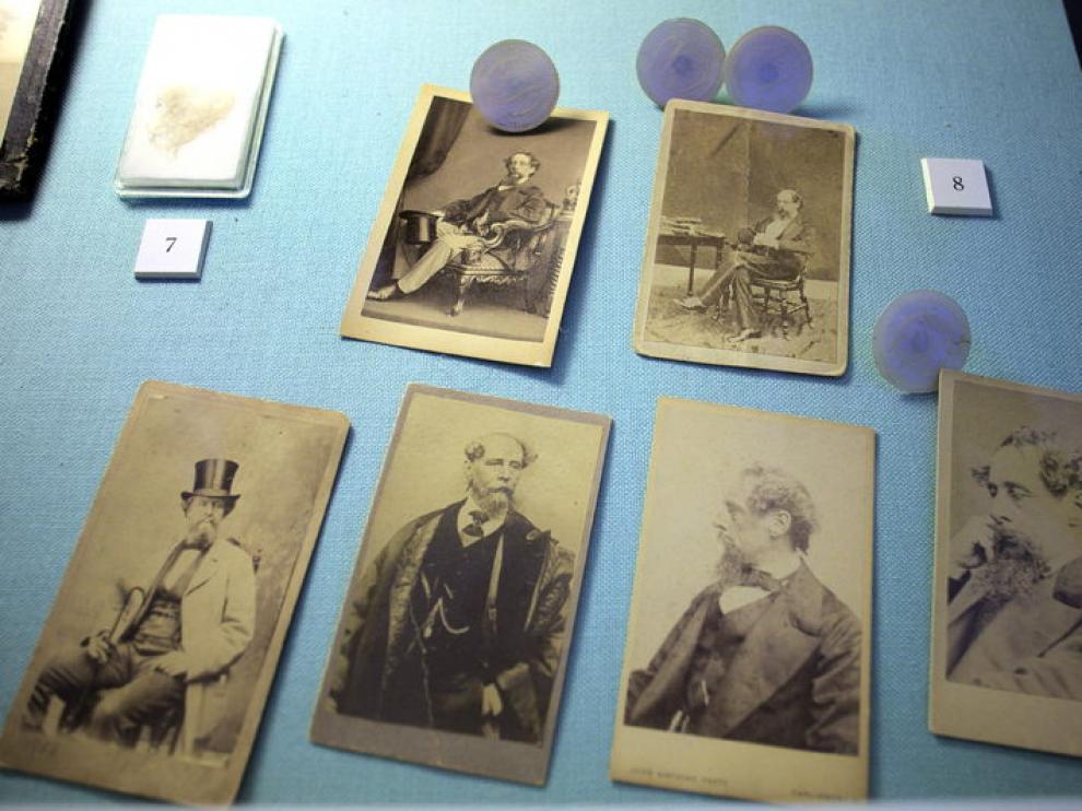 Varios retratos familiares en la Casa Museo de Charles Dickens, en Portsmouth
