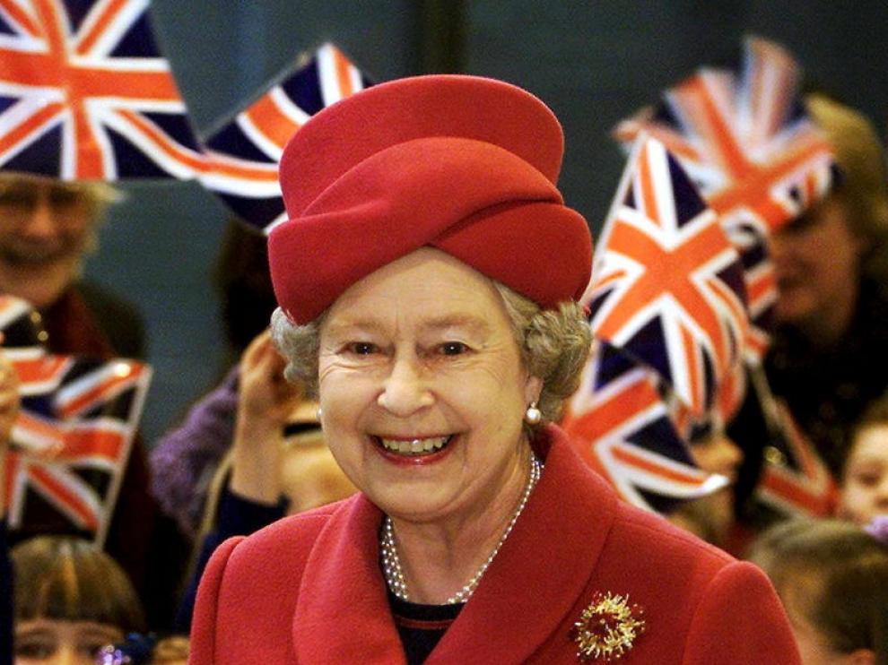 Foto de archivo de la reina Isabel II