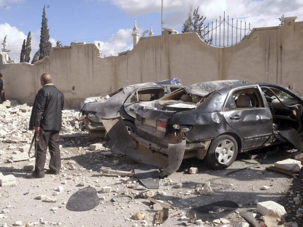 Fotografía cedida por la Agencia Árabe Siria de Noticias (SANA) que muestra el lugar de una explosión en Alepo