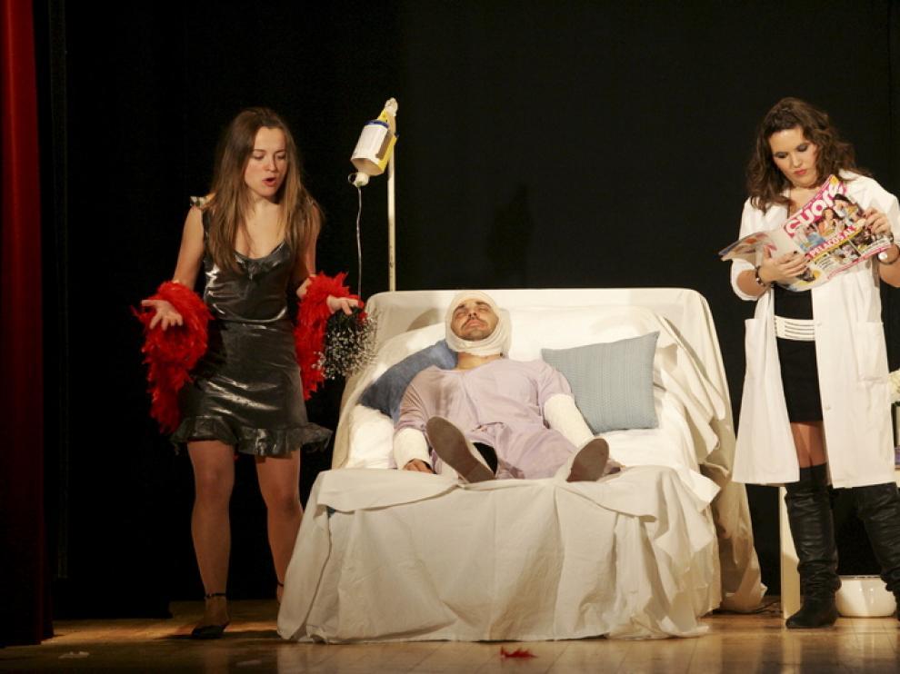 En la imagen, el grupo de teatro de Nueno presentó en la edición del año pasado su montaje ¿Ni que fuera esto París¿.
