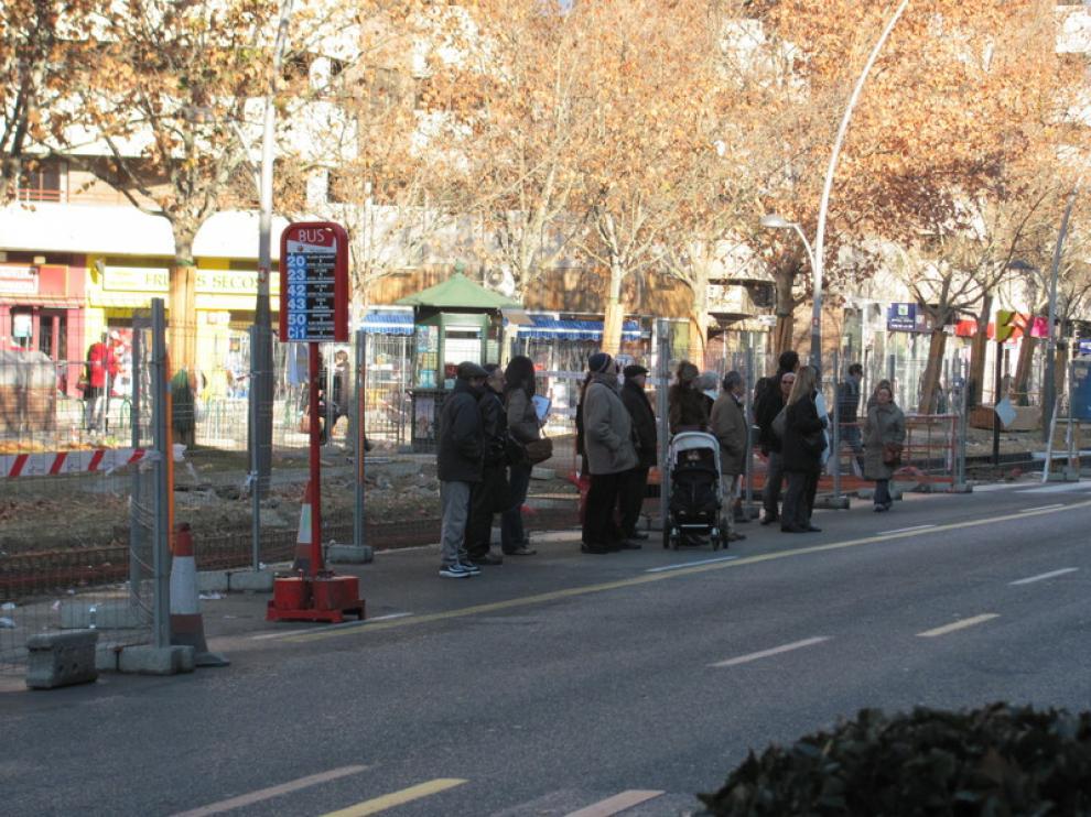 Parada de autobús en la avenida de Gertrudis Gómez de Avellaneda