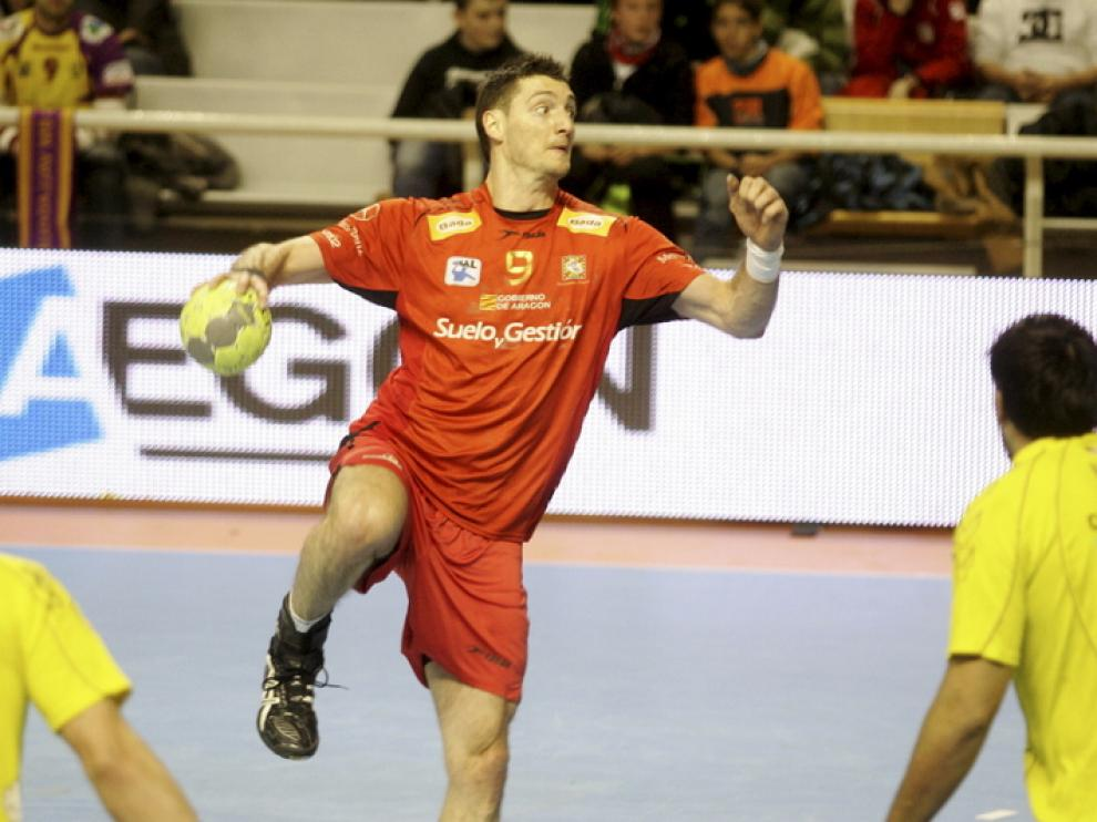 Un momento de un partido del Balonmano Huesca