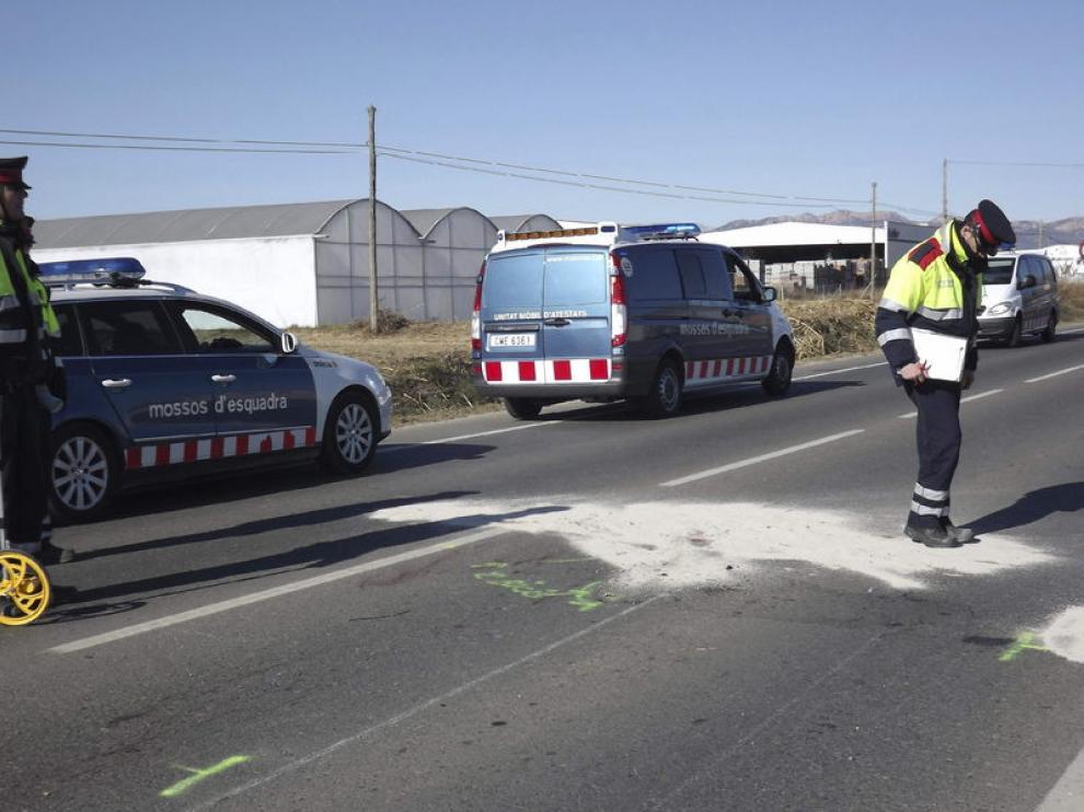 La Policía investiga el atropello de los cuatro ciclistas producido en Lérida.
