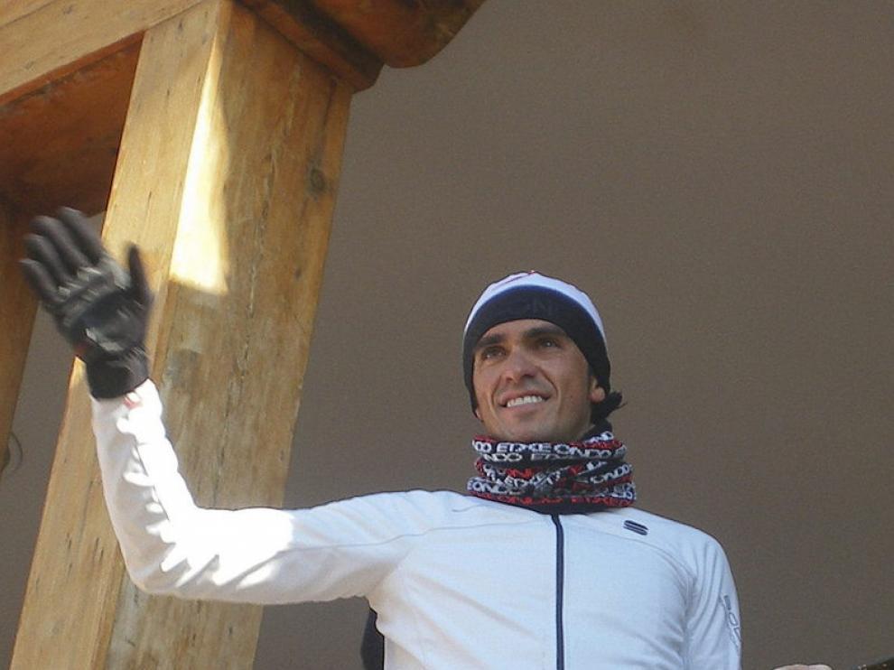 Contador saluda a los concentrados en su apoyo