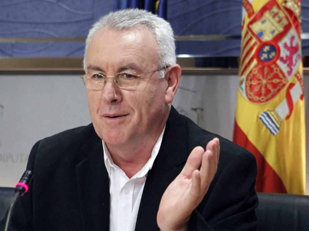 Imagen de archivo de Cayo Lara, coordinador de Izquierda Unida, durante una rueda de prensa.