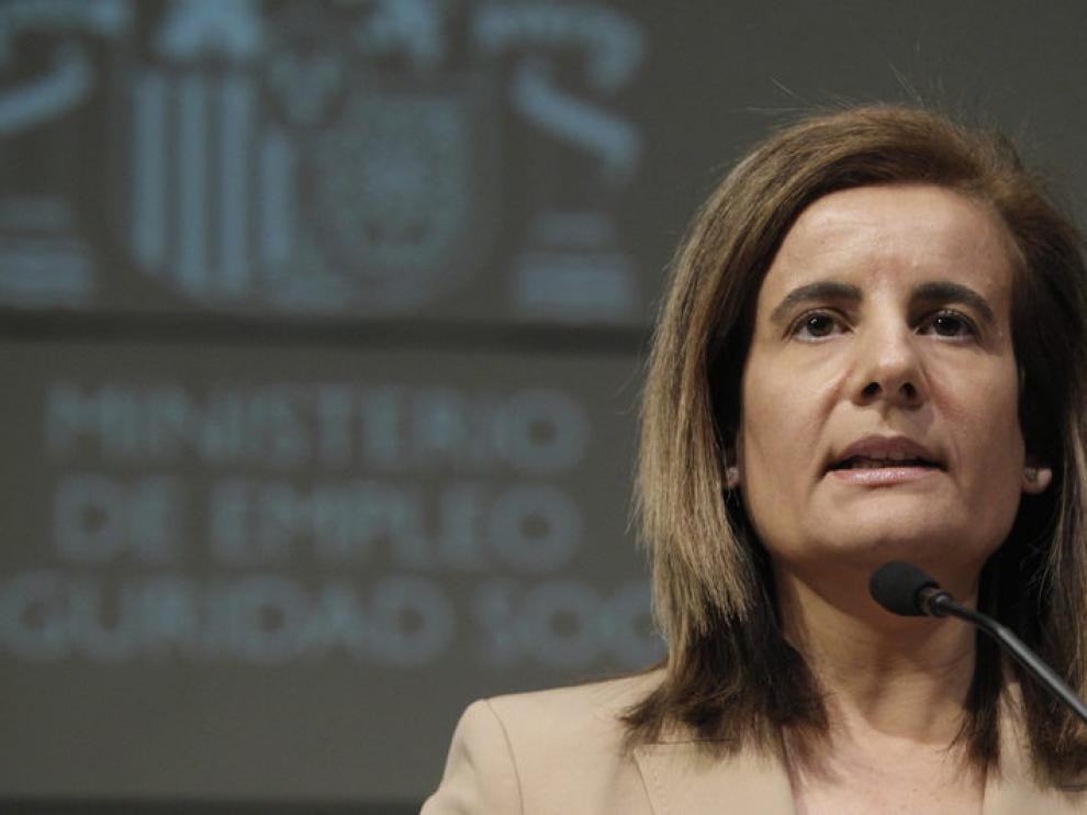 La ministra de Empleo y Seguridad Social, Fátima Báñez, en una comparecencia ante los medios.
