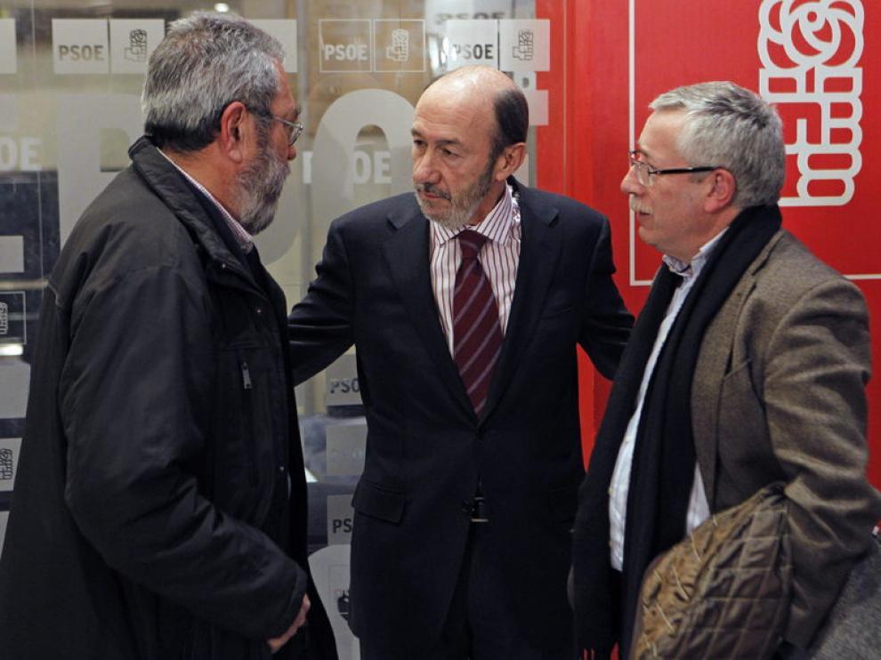 Alfredo Pérez Rubalcaba se reúne con Cándido Méndez e Ignacio Fernandez Toxo para analizar la reforma laboral.