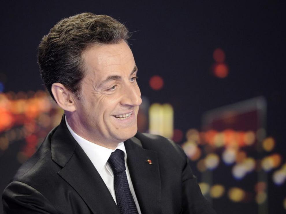 Sarkozy anuncia su candidatura a las elecciones presidenciales.