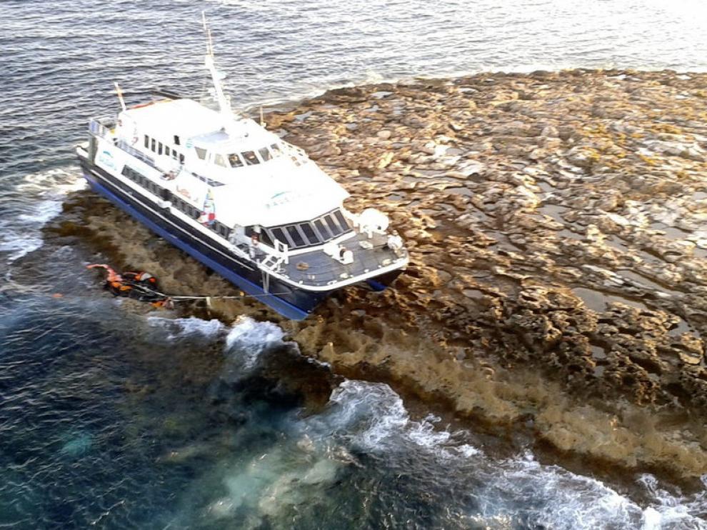 El ferry encallado en Es Freus llevaba a bordo a 29 personas.