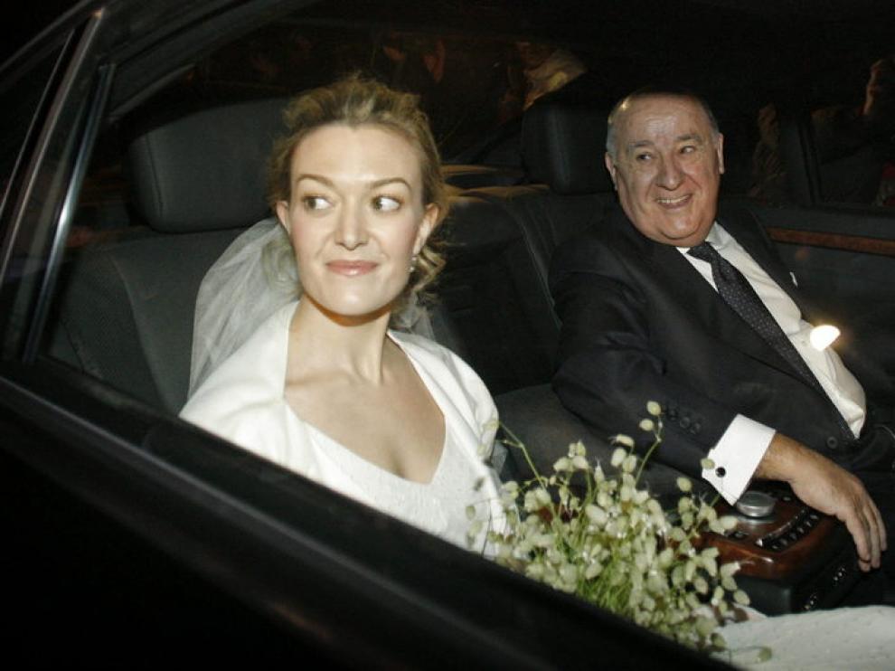 Marta Ortega, junto con su padre Amancio Ortega, llega al pazo donde ha contraído matrimonio.