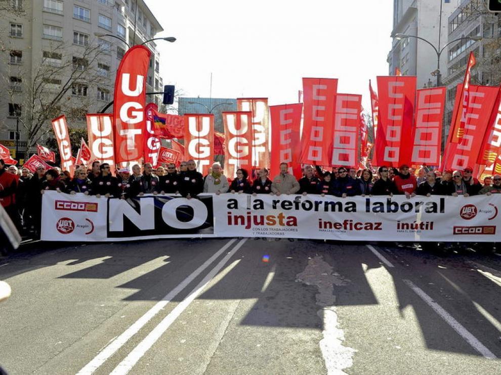 Cabeza de la manifestación contra la reforma laboral en Zaragoza